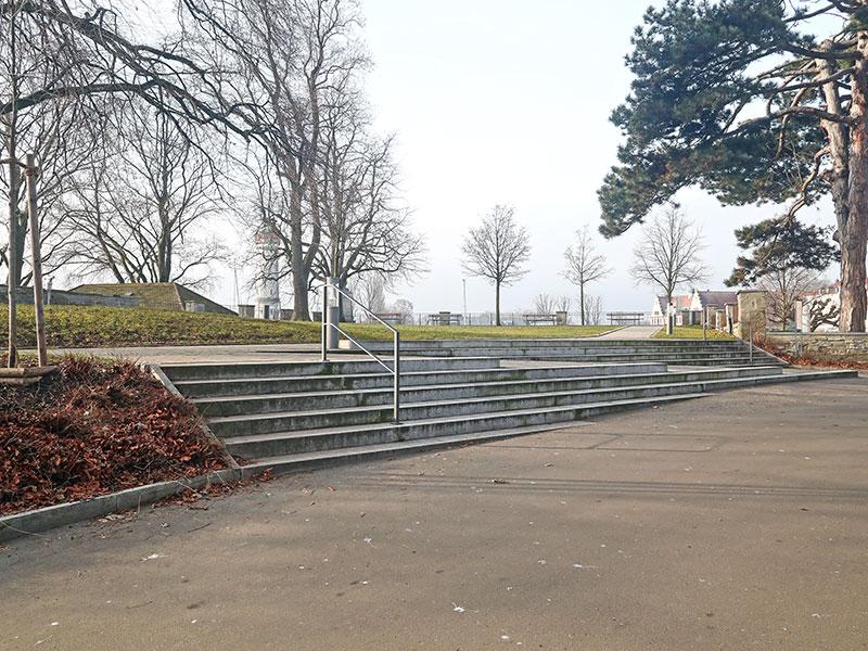 Die Römerschanze wurde mit einer schiefen Treppe verschandelt